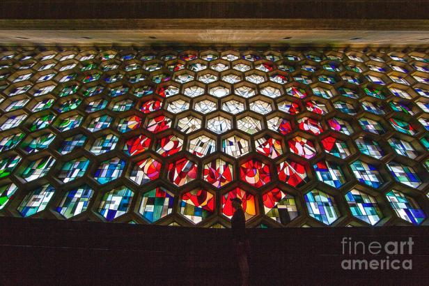 saint-johns-university-abbey-stained-glass-window-wayne-moran.jpg