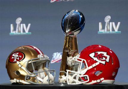 Super-Bowl-Football-19-1580410771.jpg